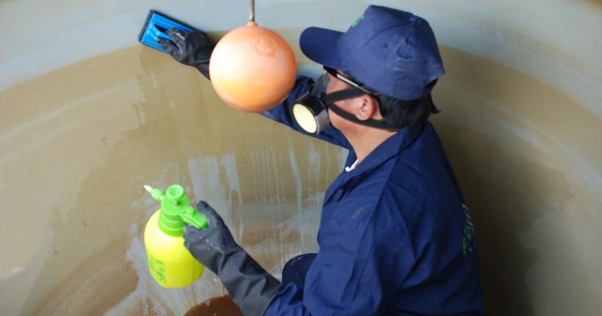 ¿Cómo realizar la desinfección de reservorios y tanques de agua?